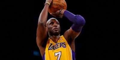 Lamar Odom. El exjugador de Los Angeles Lakers se debatió entre la vida y la muerte por una sobredosis Foto:Getty Images