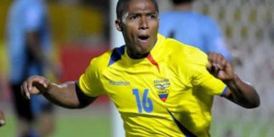 1. Antonio Valencia es el futbolista ecuatoriano más caro, al ser comprado al Wigan Athletic por $ 25,6 millones por el Manchester United. El futbolista de 30 años, nació en Nueva Loja, el 4 de agosto de 1985, y se ha convertido en uno de los jugadores infaltables en la 'Tri'. Foto:Internet