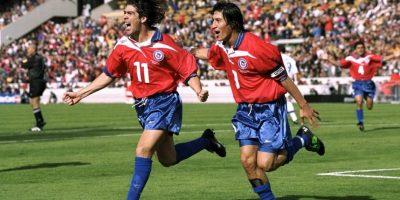 Compartió con Iván Zamorano en una de las generaciones doradas del fútbol chileno. Pero a diferencia de la actual generación dorada de la Roja, la que fue a Francia 1998 no pudo levantar un título. Foto:Getty Images