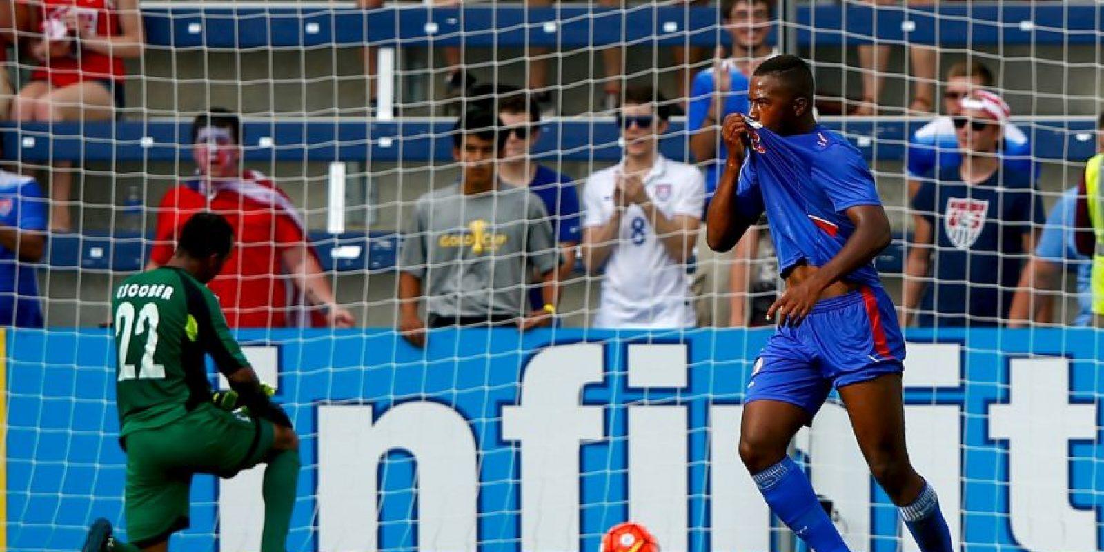 Es uno de los jóvenes delanteros que encabezan la nómina de Haití. Con 22 años, el atacante que defiende los colores del Laval de Francia fue uno de los héroes en la campaña de Haití en la Copa de Oro 2015. Ágil y de temer en el área, Nazon está llamado a ser uno de los estandartes del ataque de Les Granadiens Foto:Getty Images