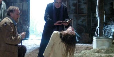 'El exorcismo de Emily Rose' (2005) se inspiró en la historia de Anneliese Michel, una joven con epilepsia que sufre de alucinaciones, por lo que le practican un exorcismo que la lleva a la muerte. Foto:Internet