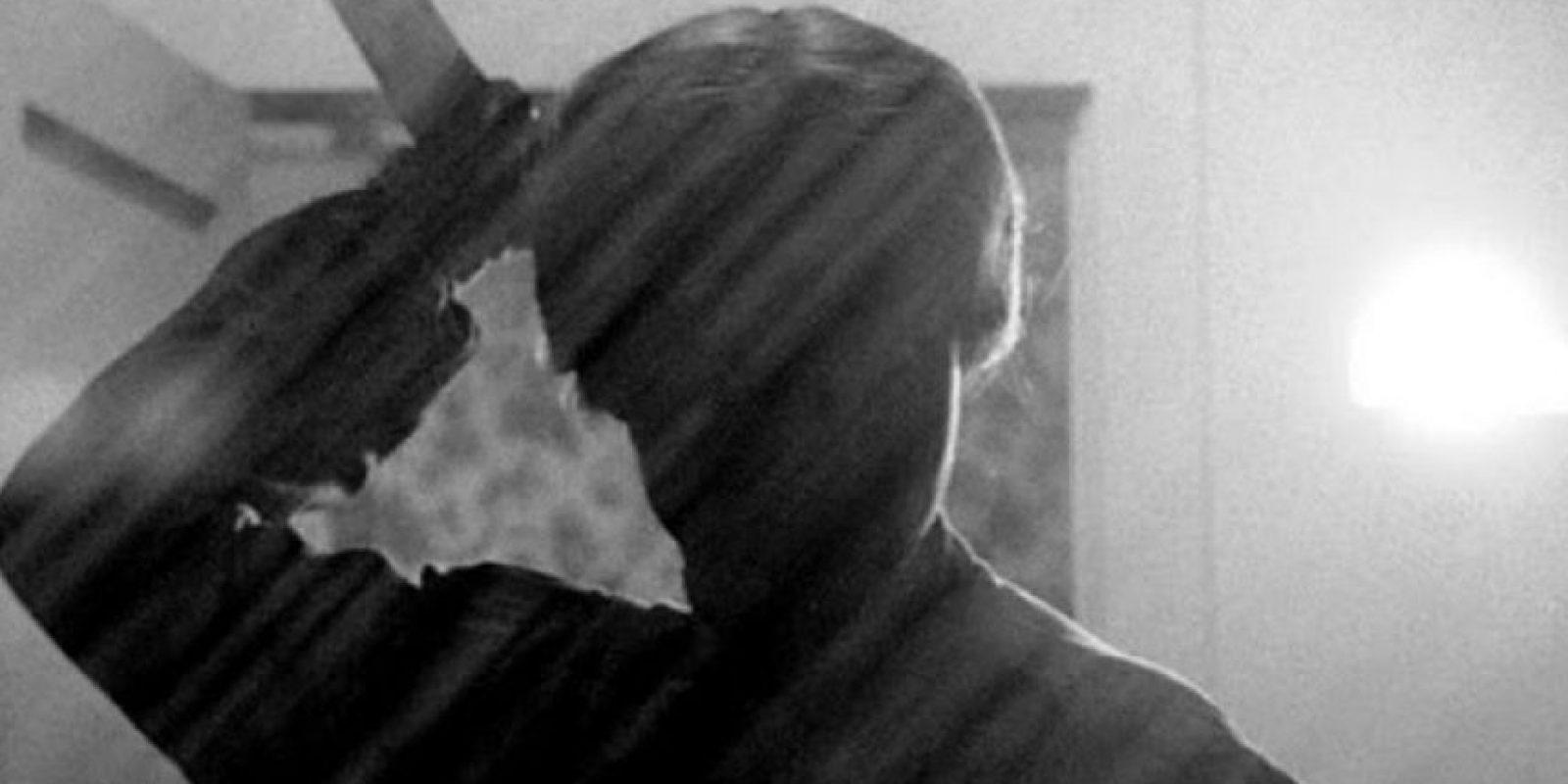 'Psicosis' (1960) está basada en los crímenes de Ed Gein, un asesino en serie de Wisconsin. Tras matar a sus víctimas, Gein usaba sus pieles para hacer máscaras y sus huesos, para construir mueble Foto:Internet