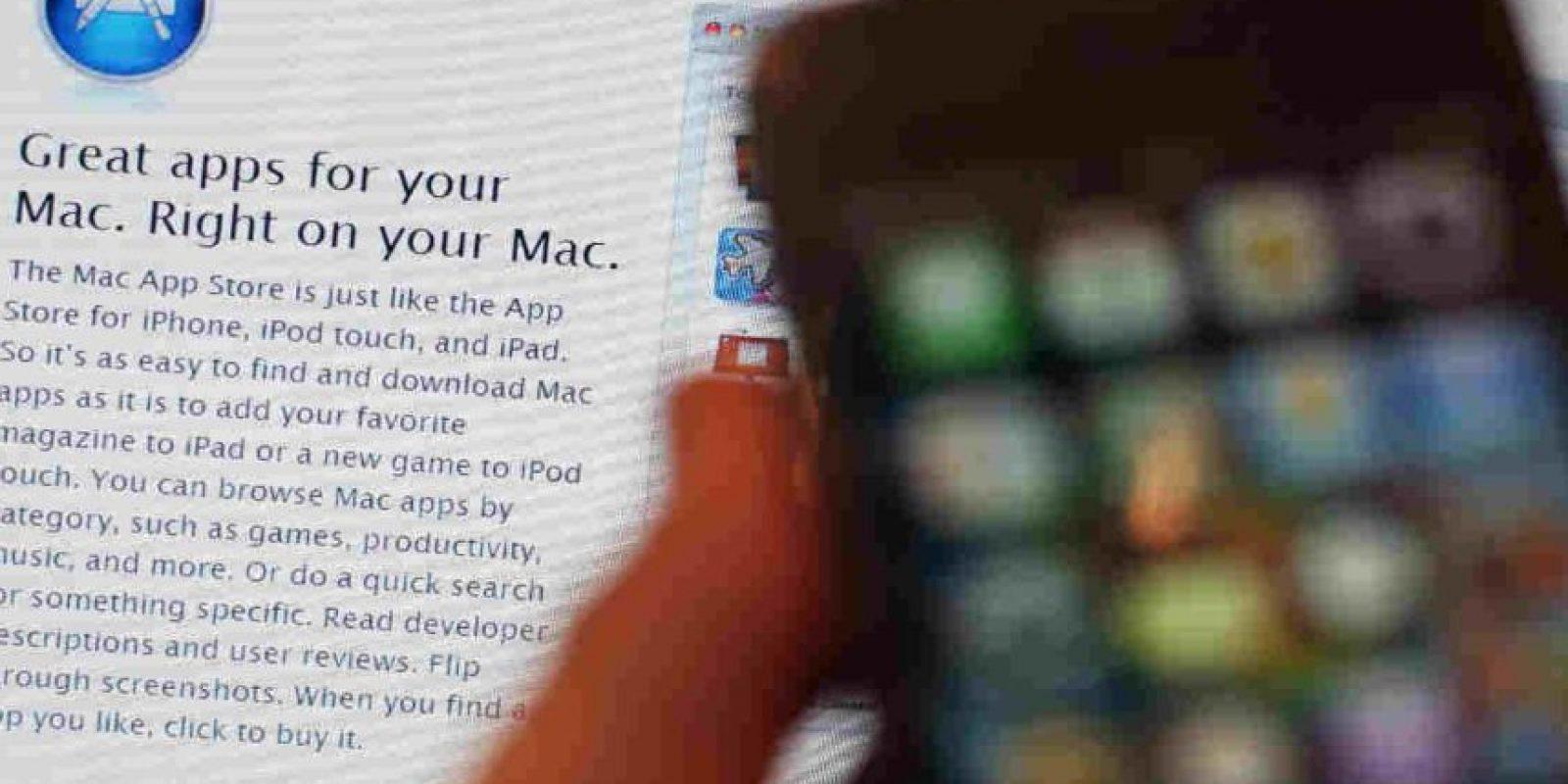 Sólo deben bajarla de las tiendas de aplicaciones que les correspondan. Foto:Getty Images