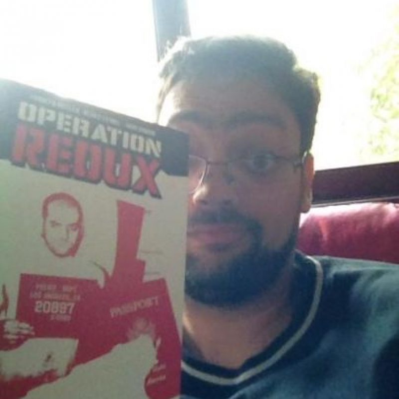 "Otro de sus libros fue ""Redux"" Foto:Twitter.com"