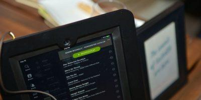 Spotify lanzó recientemente un precio más competitivo en planes para 6 usuarios. Foto:Getty Images