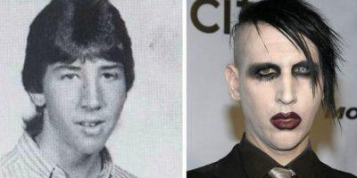 Marilyn Manson Su nombre verdadero es Brian Hugh Warner, quien nació el 5 de enero de 1969 en Ohio, Estados Unidos. Este cantante es integrante de la Iglesia de Satán creada en 1966 por Anton LaVey.