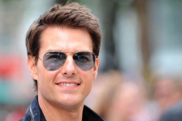 Tom Cruise detenido y golpeado por