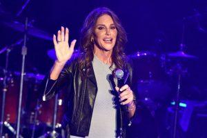 Conocido anteriormente como Bruce Jenner, cambió de género luego de los 60 años. Foto:Getty Images