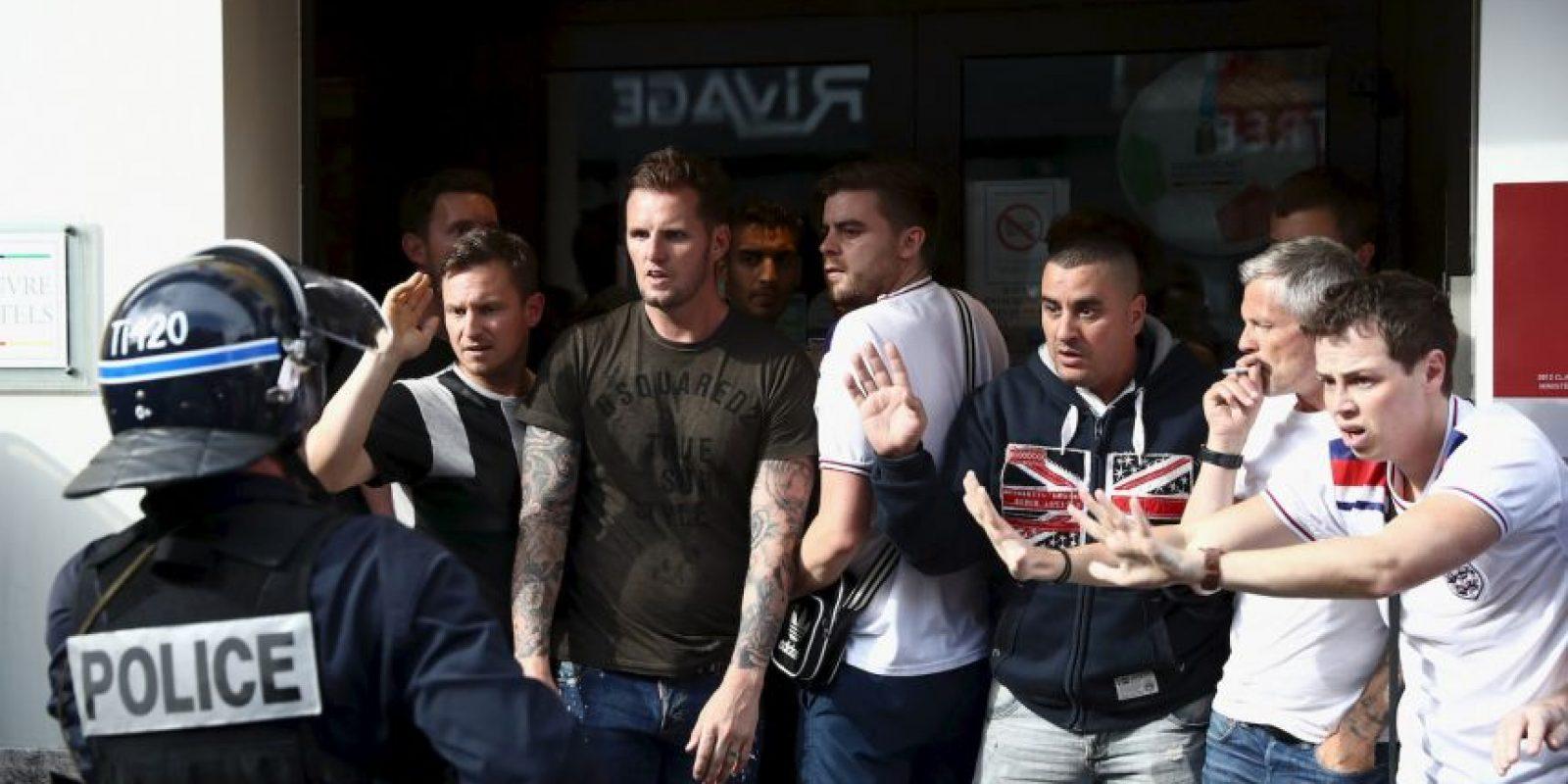 Los ingleses ya habían dejado su huella en Marsella con múltiples peleas. Franceses, rusos y la policía sufrieron con los hooligans Foto:Getty Images