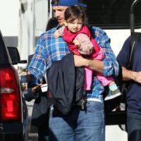 Así cuida Ashton a su pequeña hija Foto:Grosby Group