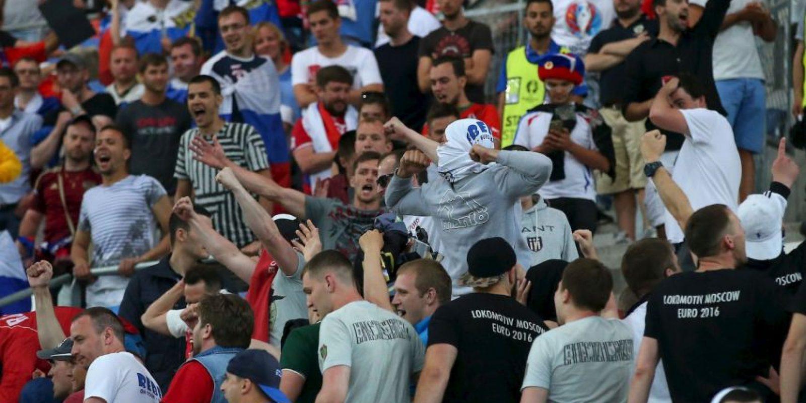 Previo al torneo, los rusos hicieron un 'casting' para seleccionar a los 120 hinchas más violentos Foto:Getty Images