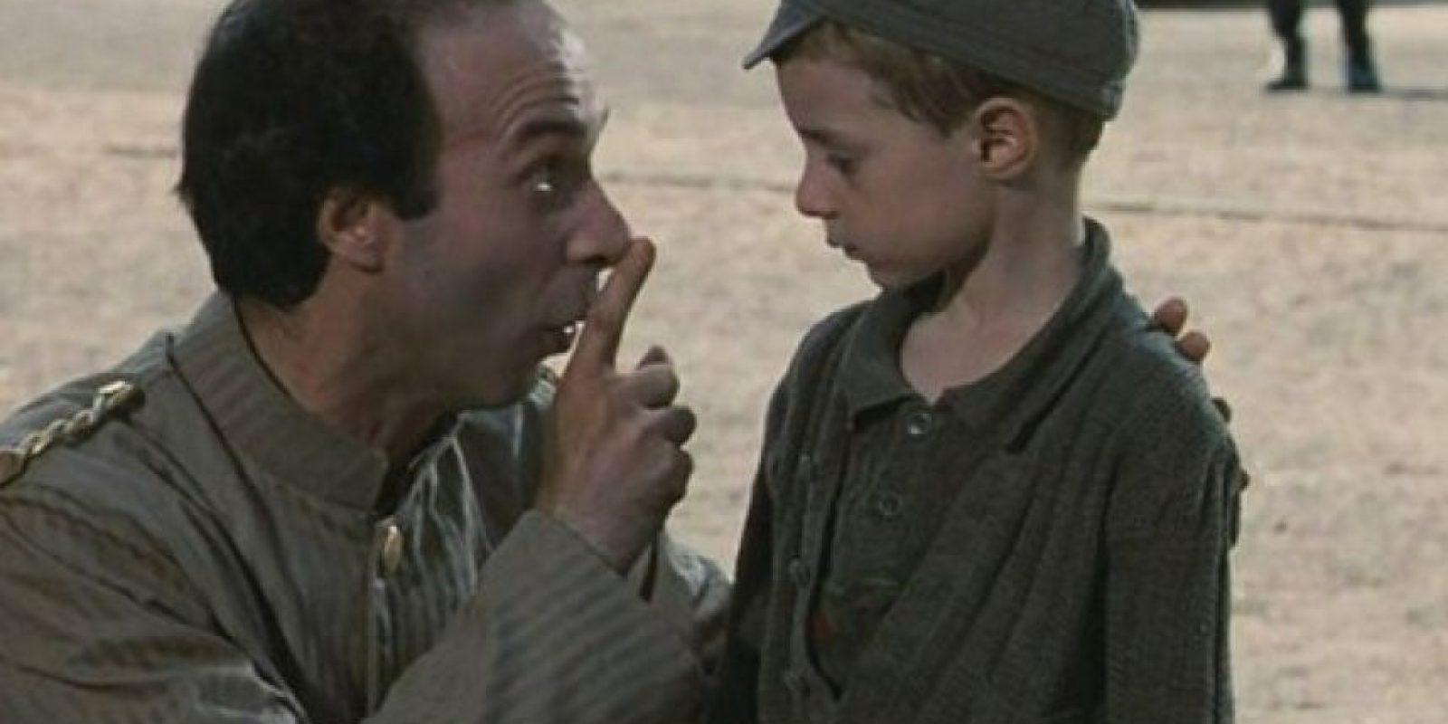 Esta película ganó el Óscar a Mejor película extranjera, es una divertida comedia dentro de un conmovedor drama. Roberto Benigni es un judío italiano cuya familia va a un campo de concentración, el crea un juego para proteger a su hijo. (Foto: Internet)