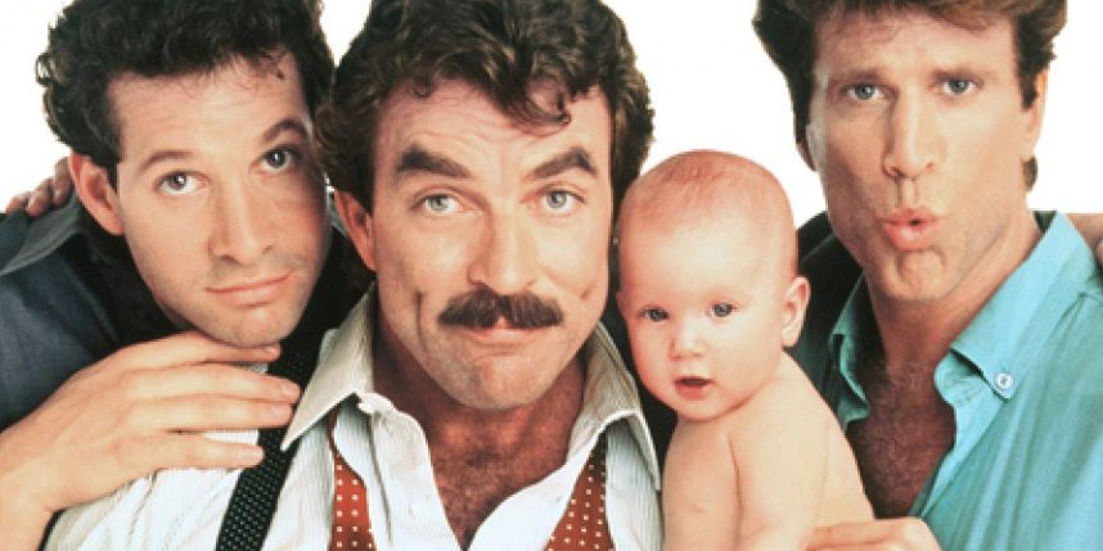 Tres hombres y un bebé (1987). Tres padres cuidan de una bebé que apareció en la puerta de su lujoso departamento. (Foto: Internet).