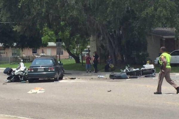 Hospitalizan a 2 policías de Orlando que ayudaban en un funeral