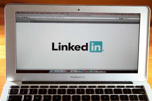 Si no tienen perfil en línea podrían pasar más tiempo desempleados