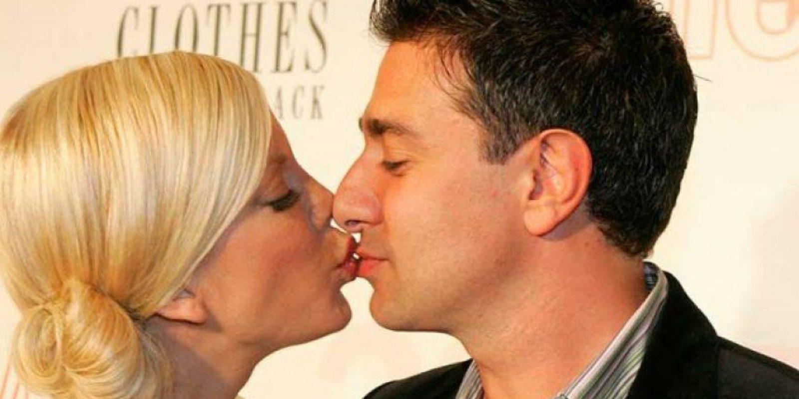 Pero antes de llegar a esta situación, Spelling estuvo casada con Charlie Shanian a quien le fue infiel con Dean McDermott Foto:Internet