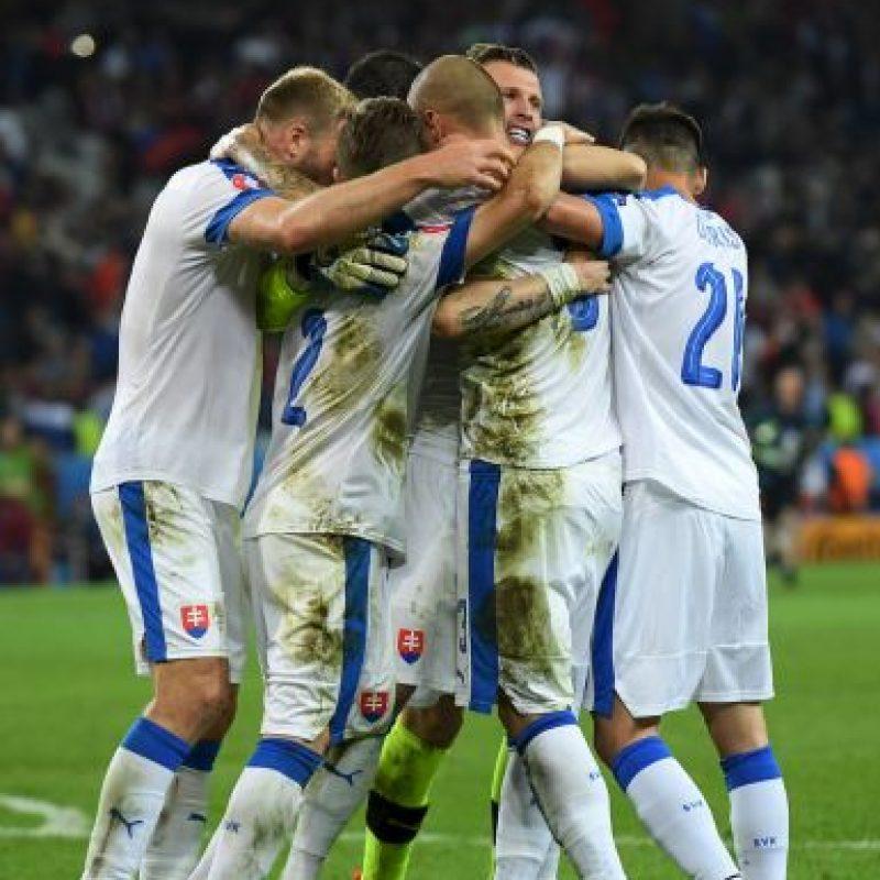 Los eslovacos ahora se ilusionan con avanzar a la siguiente ronda y una victoria les permitiría clasificar directamente, aunque un empate podría dejarlos posicionado en alguno de los cuatro mejores terceros que avanzan Foto:Getty Images
