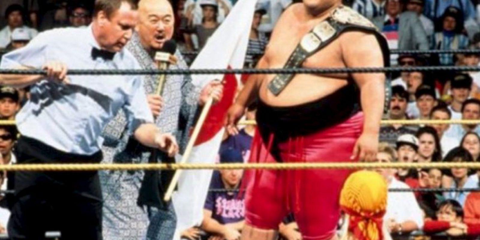 6. Yokozuna. Ganó y perdió el título en Wrestlemania IX en 1993 Foto:WWE