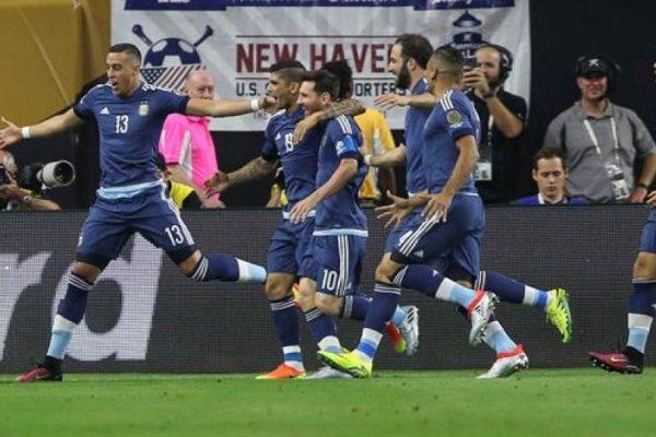 Messi se convierte en el máximo goleador de la selección argentina