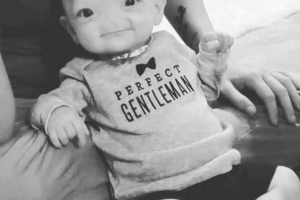 Este bebé sobrevivió al nacer con el cerebro fuera de la cabeza