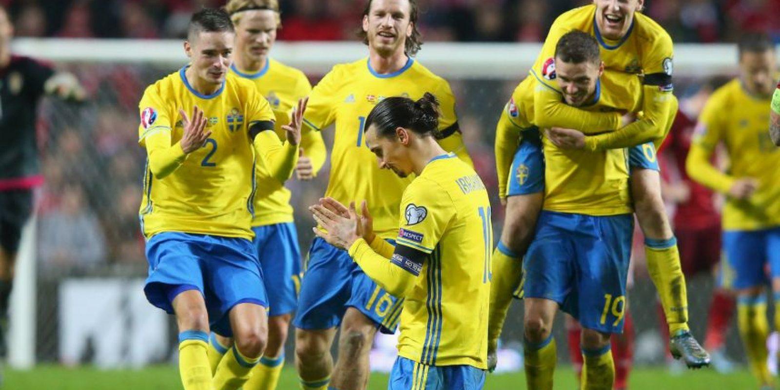 El tiro libre convertido ante Dinamarca le dio la clasificación a Suecia a la Euro 2016 Foto:Getty Images