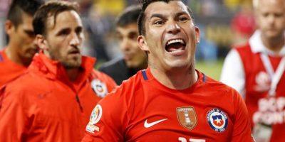 Gary Medel de Chile celebra después de vencer a Colombia Foto:EFE