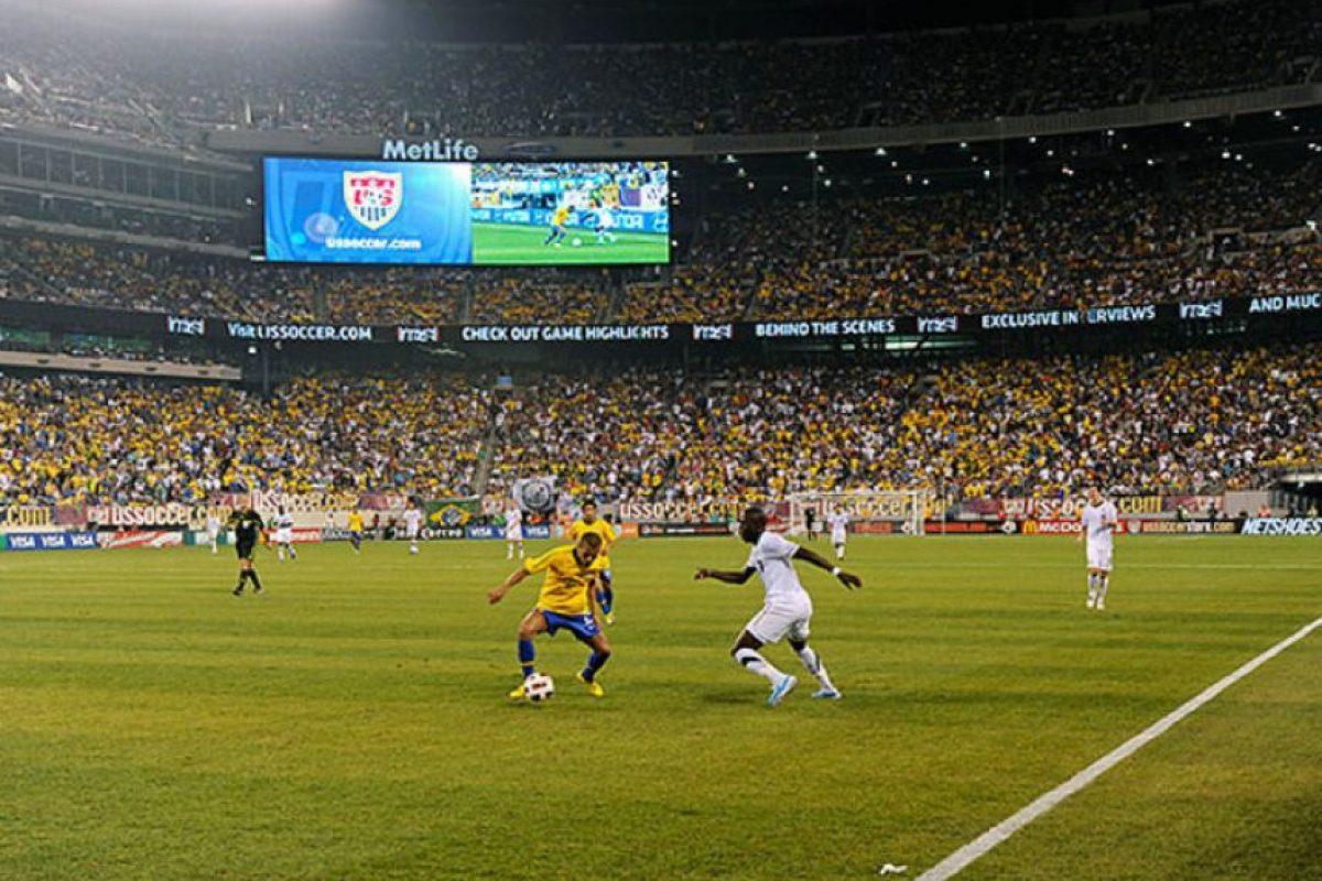 Cuando el domingo se cierre la Copa América, habrán pasado por el torneo cerca de 1,5 millones de aficionados, repartidos en 32 partidos disputados en diez sedes. Foto:Internet