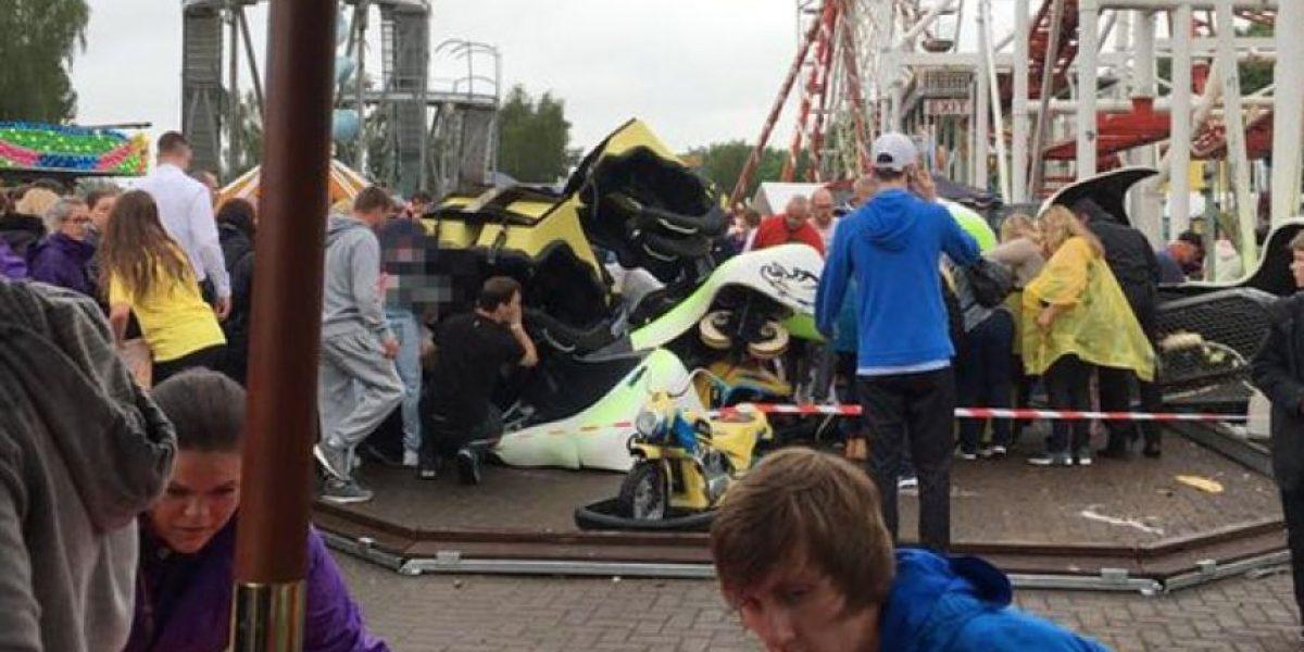 Escocia: Siete heridos tras descarrilarse montaña rusa