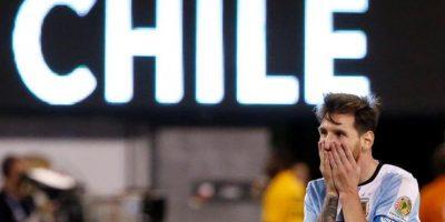 El argentino Lionel Messi reacciona durante la prórroga ante Chile durante la final de la Copa América Centenario celebrada en el estadio MetLife de East Rutherford, Nueva Jersey. Foto:EFE