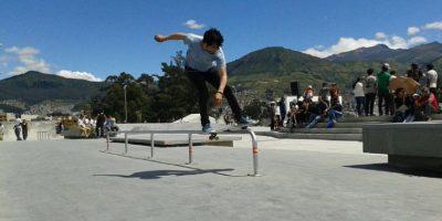 """El """"Skate Plaza"""" (5.810 m2) fue construido con un piso de hormigón de alta resistencia, cuenta con diferentes plataformas, rampas y elementos especiales para potenciar deportes como el skate board y roller. Es un espacio destinado a promover el deporte y una nueva forma de interacción social entre las culturas urbanas. Foto:Cortesía"""