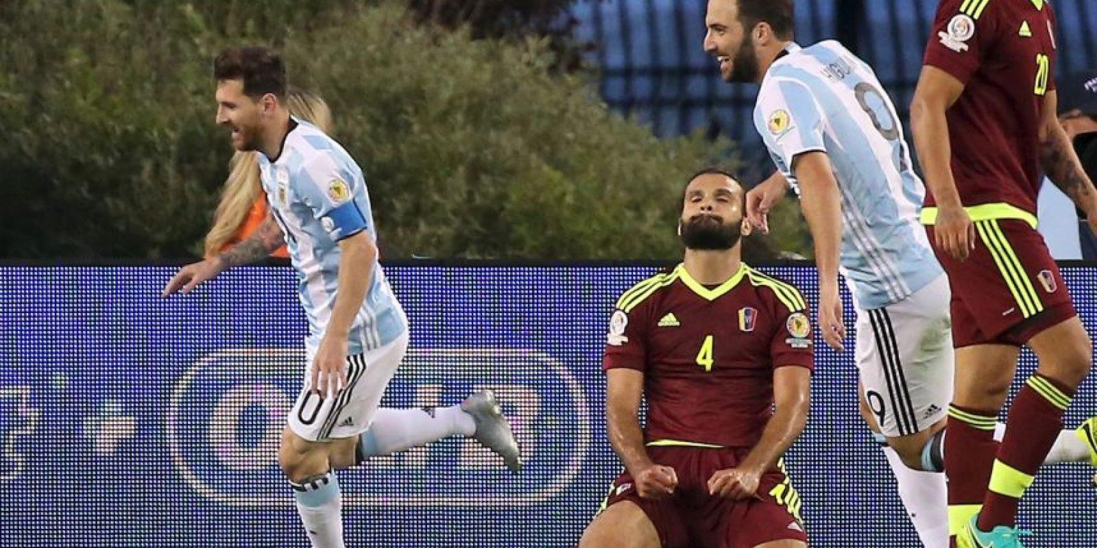 Lionel Messi alcanzó a Gabriel Batistuta como máximo goleador, luego lo superaría Foto:Getty Images