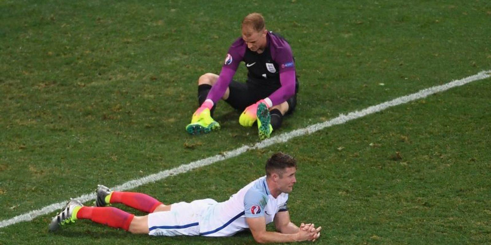 Joe Hart fue uno de los más criticados por su débil reacción en el segundo gol islandés Foto:Getty Images