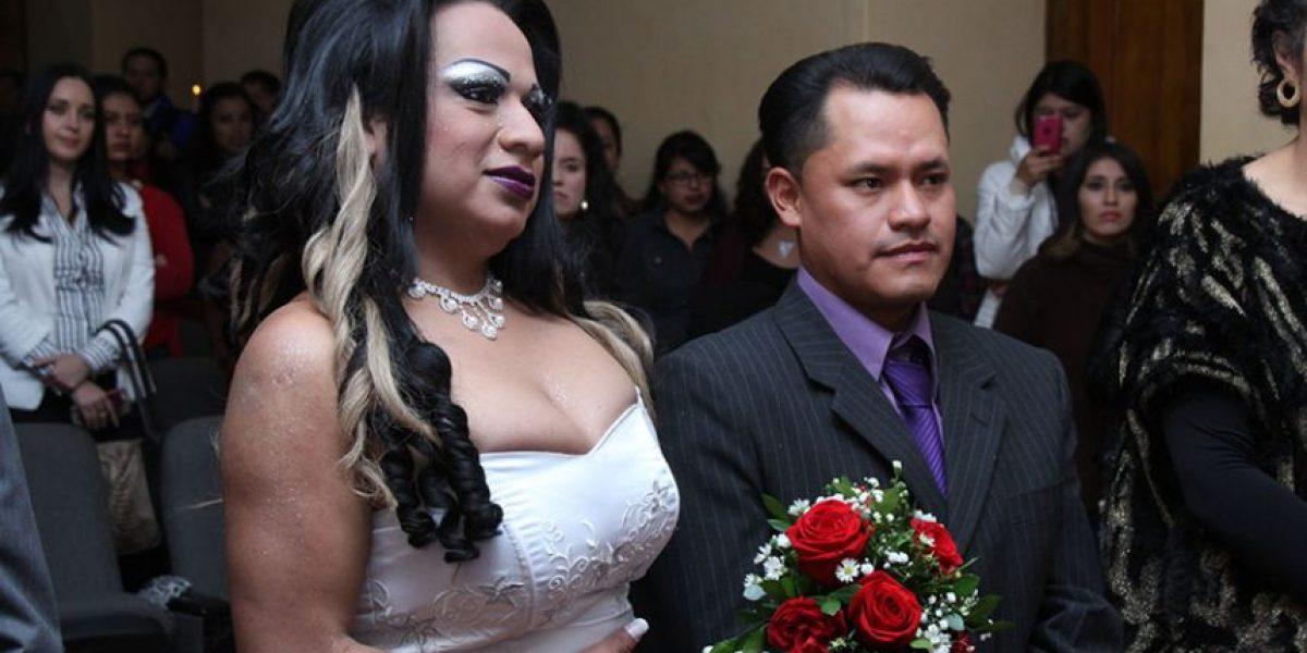 Primer matrimonio simbólico GLBT se realizó en Cuenca