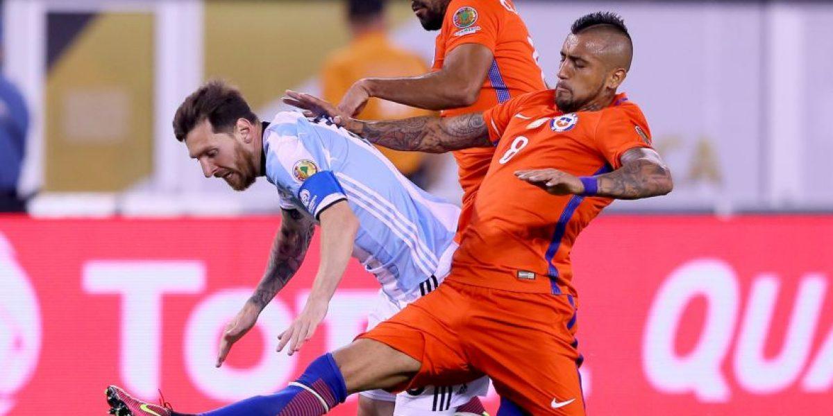 La historia de la foto a lo Supercampeones de Messi ante Chile