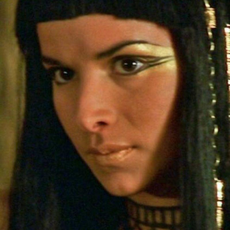 Patricia Velásquez era Anksunamun, la amante de Imhotep y esposa de Seti. Al final ella lo mata. Foto:vía Universal Pictures