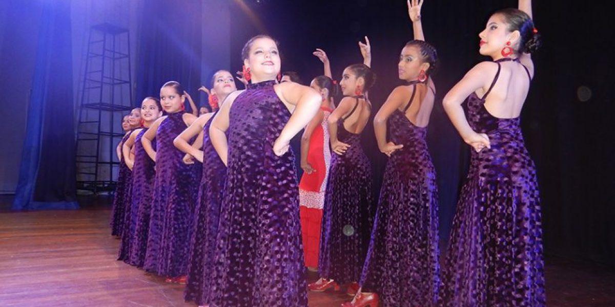 El flamenco es pasión y libertad para los bailarines de Andanzas