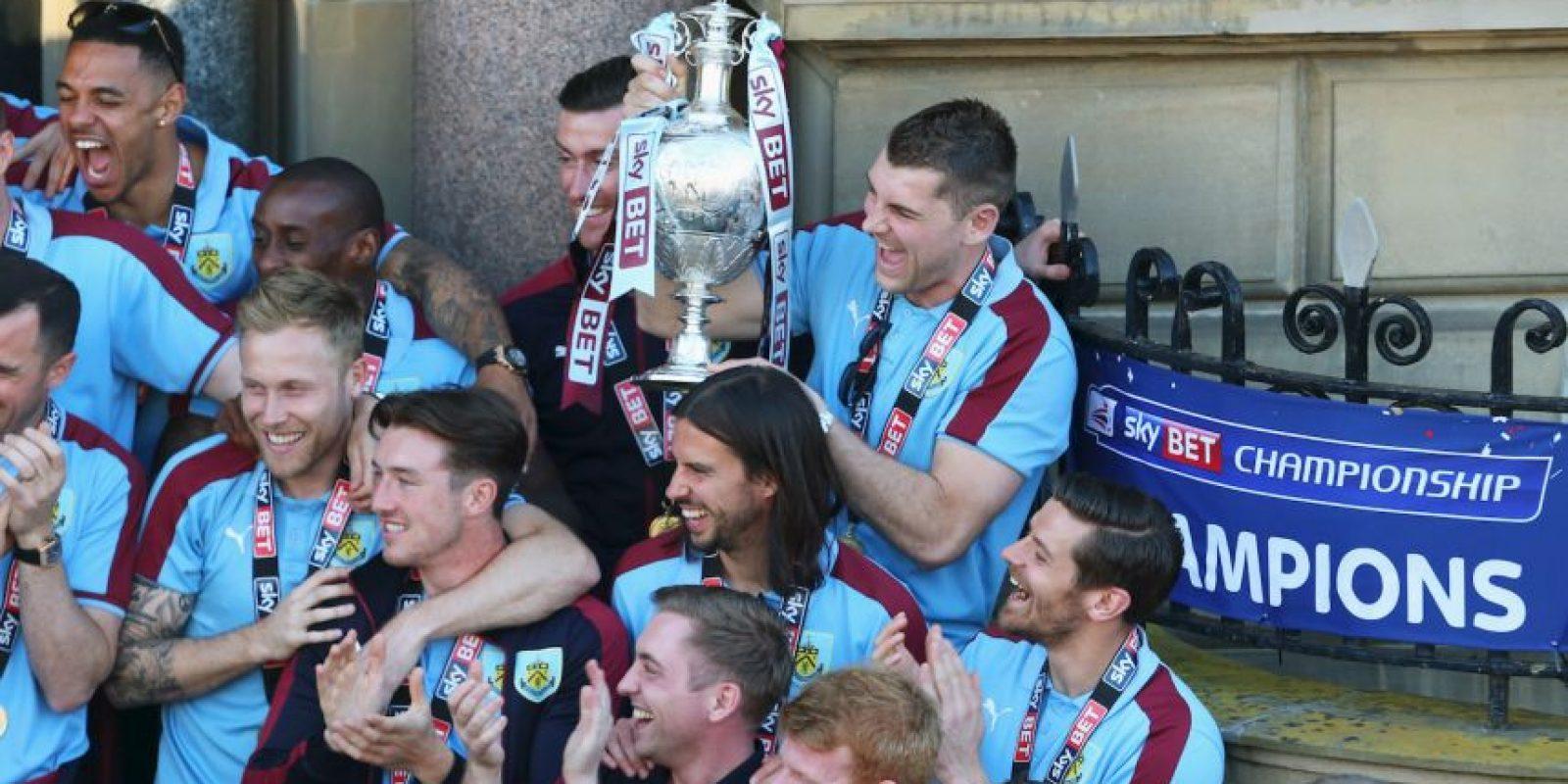 Los 14 clubes que ascendieron a las Ligas Elite. Premier League: Burnley Foto:Getty Images