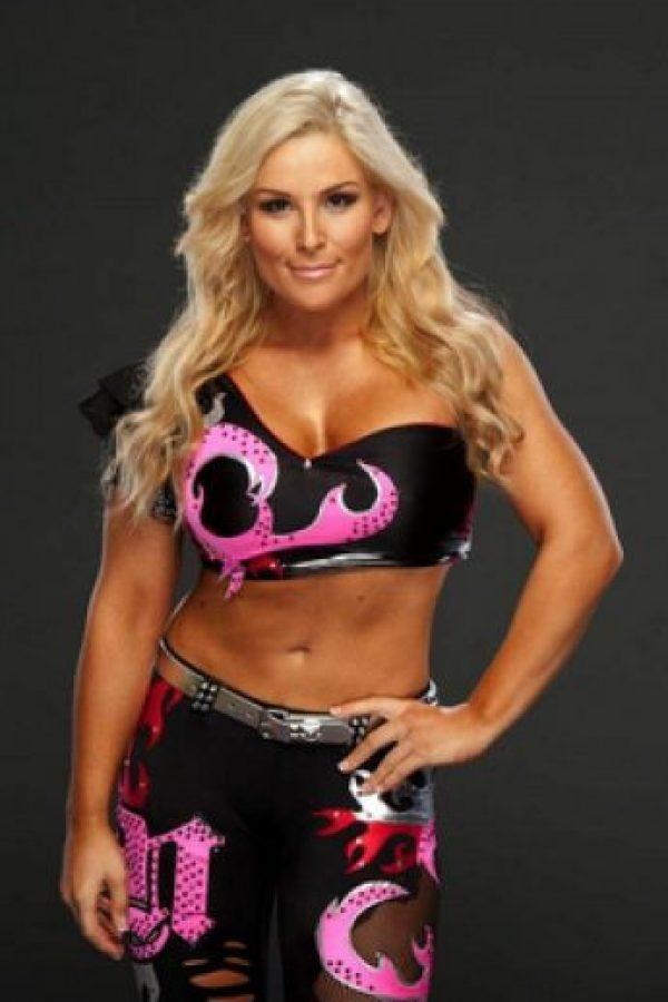 Se enfrenta a su examiga Natalya Foto:WWE