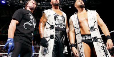 Para enfrentar a The Club, formado por AJ Styles, Luke Gallos y Karl Anderson Foto:WWE