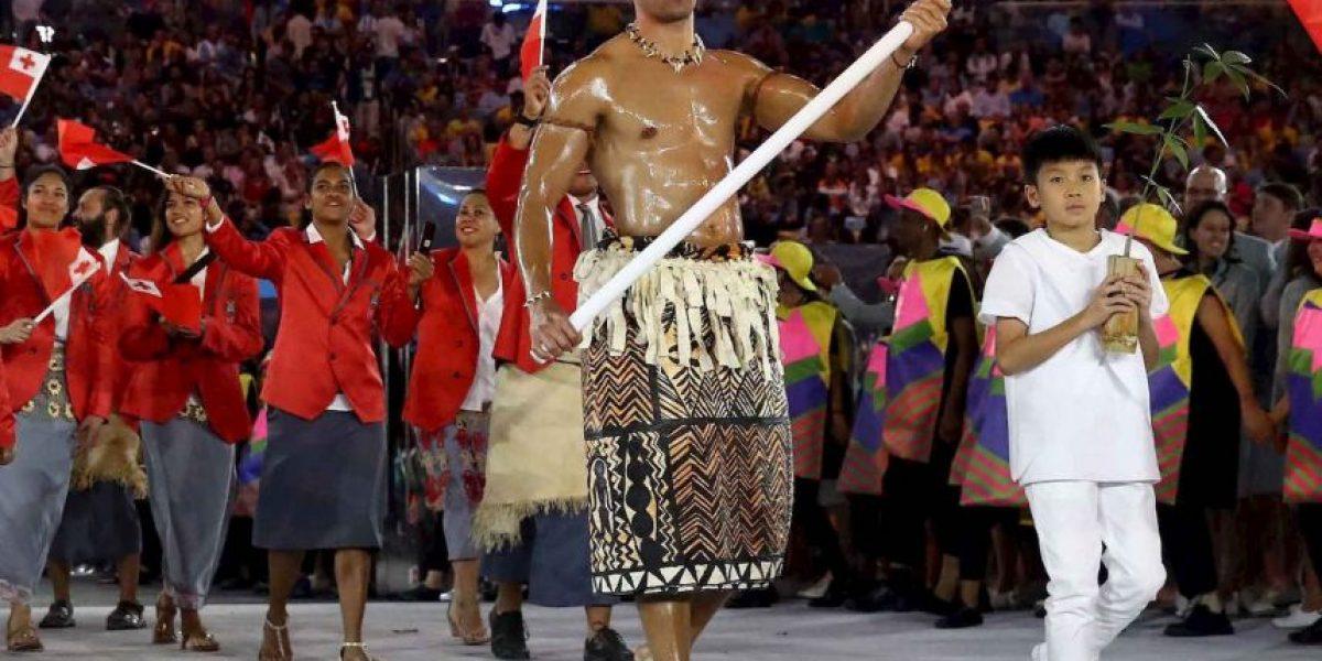 El sexy abanderado de Tonga del que todos están hablando