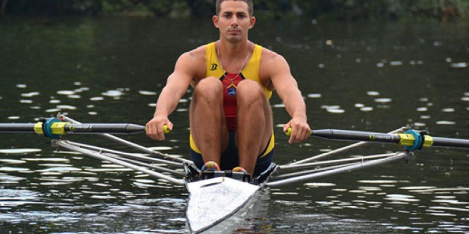 Gabriel Solá fue el primer ecuatoriano en debutar en los JJ.OO. Foto:Deporte. Gob