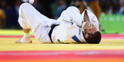 El judoca estadounidense Travis Steves, después de perder la medalla de oro Foto:Getty Images