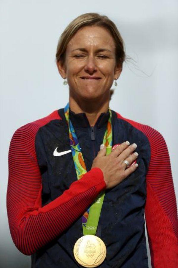 Un día antes de cumplir 43 años se hizo con el tricampeonato olímpico en la prueba contrarreloj del ciclismo en ruta. Foto:Getty Images