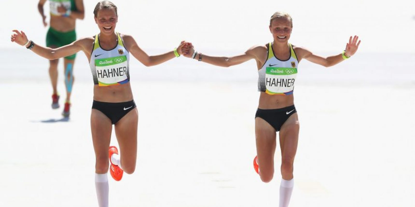 Las mejores imágenes de las redes sociales de las polémicas Lisa y Anna Hahner Foto:Instagram