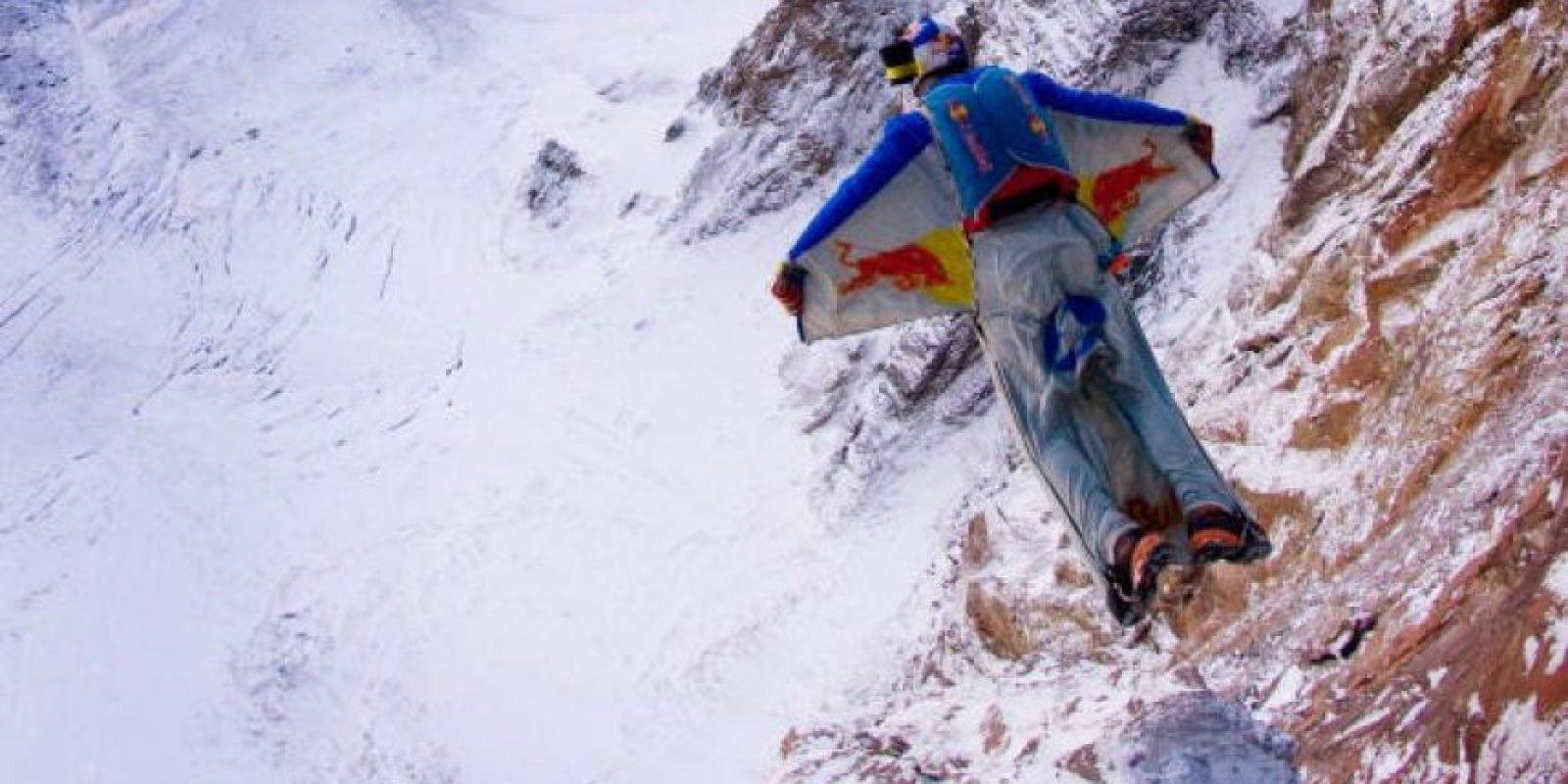 Diferencias entre el salto base y el paracaidismo Foto:Getty Images