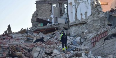 Para hallar víctimas del terremoto que azotó Italia el 24 de agosto. Foto:Getty Images