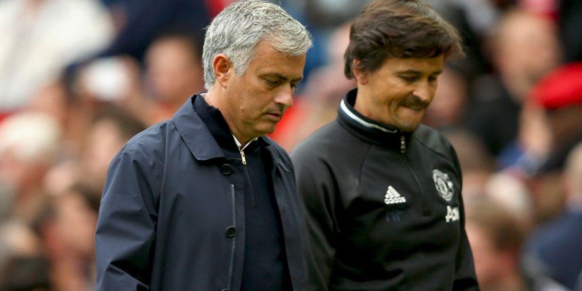 Mourinho se enoja con asistente técnico por confusión de Pogba
