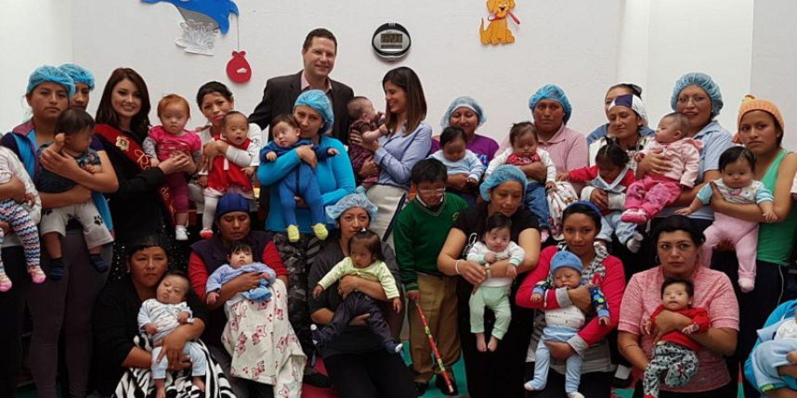 Alcalde Mauricio Rodas; la presidenta del Patronato San José, María Fernanda Pacheco; y la Reina de Quito, Angie Vergara Foto:Andrea Martínez. Imagen Por: