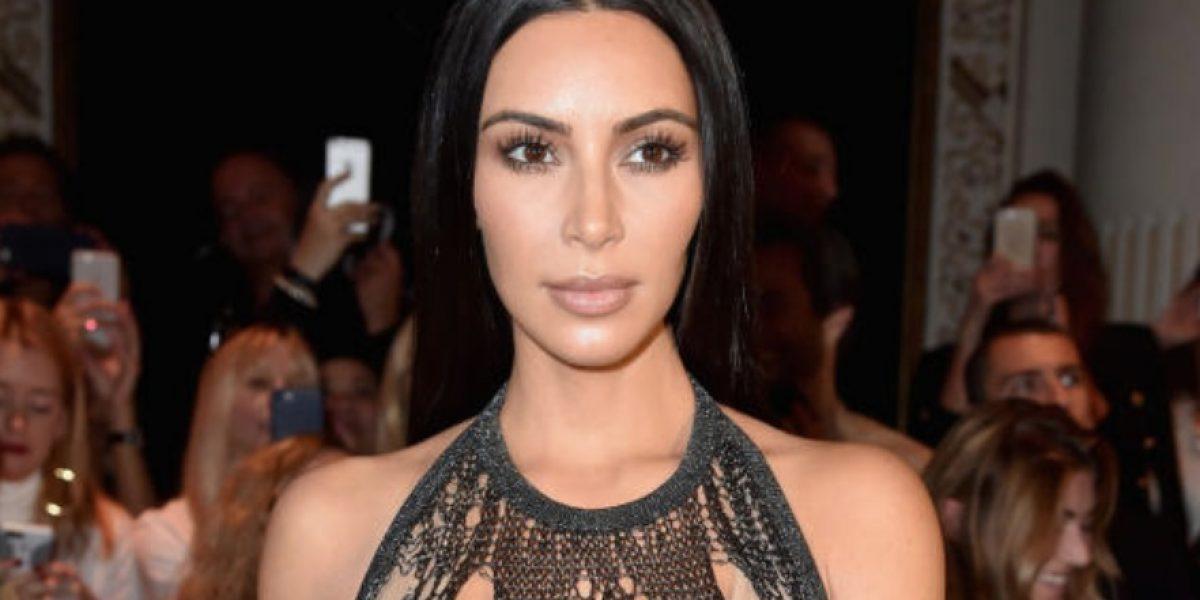 Kim Kardashian sorprende en evento al presentarse sin ropa interior