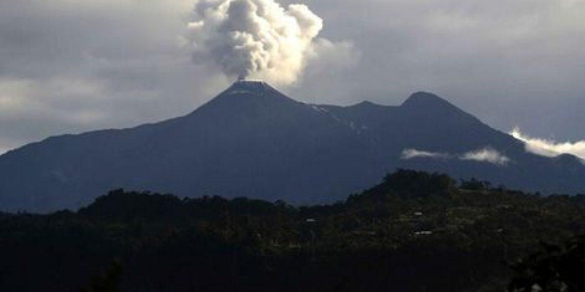 Volcán Reventador registra actividad eruptiva alta
